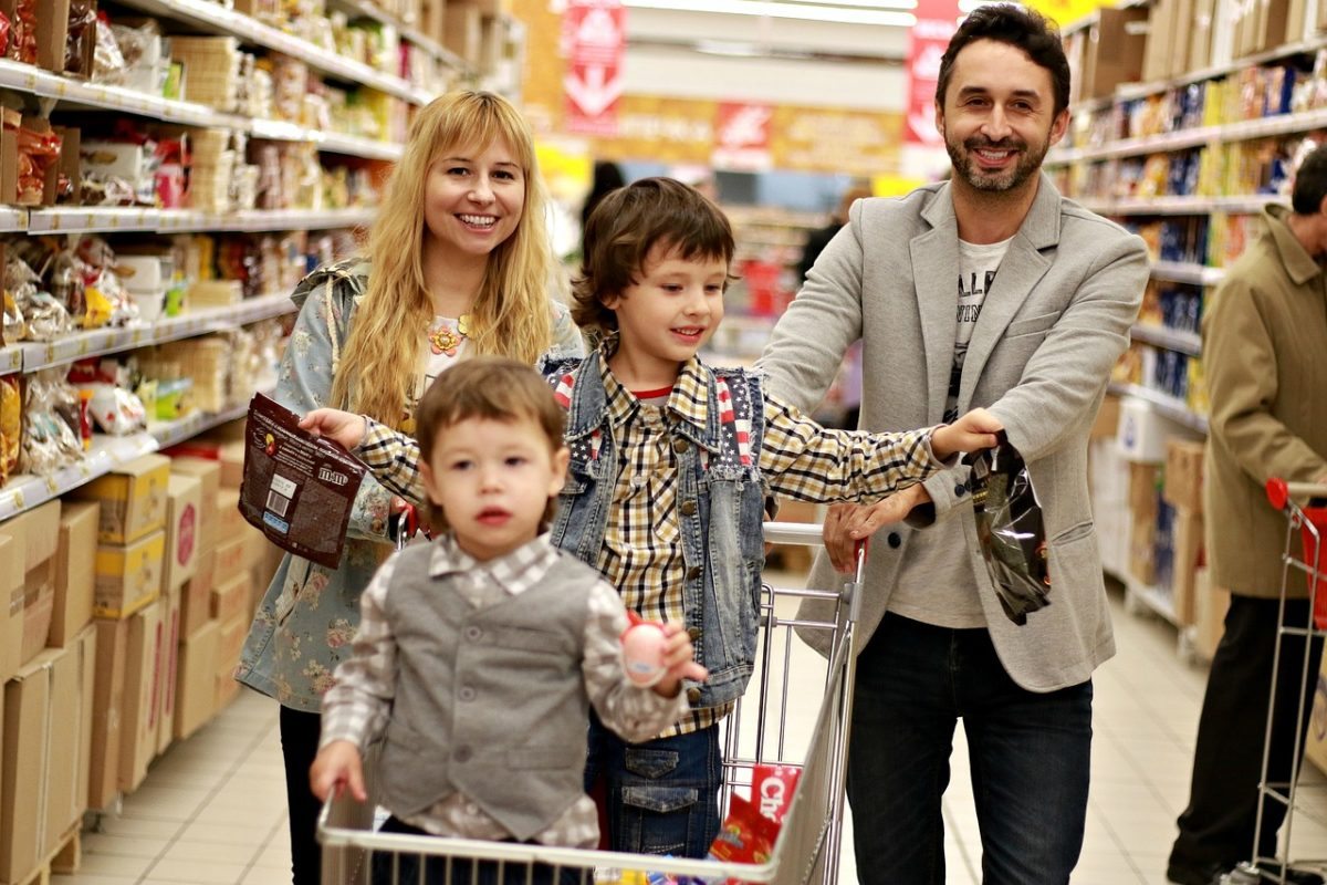 What's the Average Grocery Budget for a Family of 4?